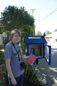 "East Sacramento has a new ""little free library"" on 43rd Street"